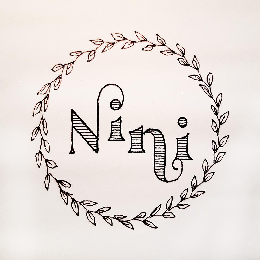 Namenslettering mit Blätterranke für eine Freundin